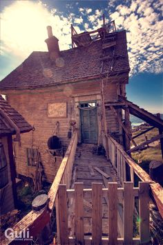 Popeye village | Guli.lt - abandoned places by Simonas Šileika