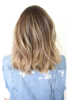 Blonde hair color, highlights, low lights, medium hair style, medium hair length, wavy hair