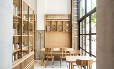 Hand-crafting copper, tin and brass tea-caddies since 1875, Kaikado has now also started brewing tea at its newly opened café, a short stroll from its small workshop and flagship store in Kyoto's Kawarmachi district. Housed in a 90-year old listed buil...