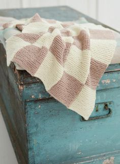 Sarah Hatton Knits: 10 Simple Projects for Cosy Babies, McA direct