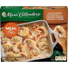 Lose yourself in Scalloped Potatoes in a Creamy Cheese Sauce with Ham meal. Enjoy the homemade goodness tonight. Frozen Pies, Frozen Meals, Microwave Dinners, Market Displays, Creamy Cheese, Weird Food, Kenny Chesney, Cold Meals, Pot Pie