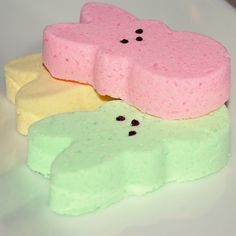 🐣 STILL AVAILABLE IN TIME FOR EASTER! 🎊 Marshmallow scented peeps bath bombs and soaps.
