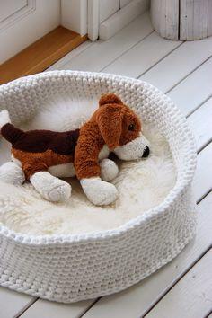 Kertun kotoilu: Virkattu koiranpeti