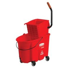 Rubbermaid Commercial Products Wavebrake 8.75-Gallon Commercial Mop Wr