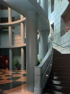 Thomson Consumer Electronics Americas Headquarters, Indianapolis, Indiana, Michael Graves & Haldeman, Powell & Partners, 1992