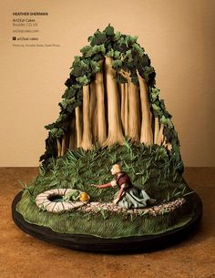 Princess and the Frog Fairytale Cake | Cake Central Magazine | Volume 4 Issue 10 - October 2013