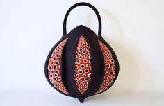 taneno - Felt Bag by Atsuko Sasaki