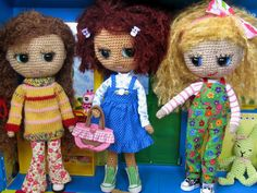 https://flic.kr/p/9LsqFw | Crocheted Blythe Kindergarten Girls | Olga and Lisa are very happy to meet Paula at Kindergarten!^^