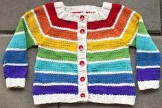 Everybody loves rainbows! And the perfect thing for your (or somebody else's) kid is of course a rainbow cardigan.