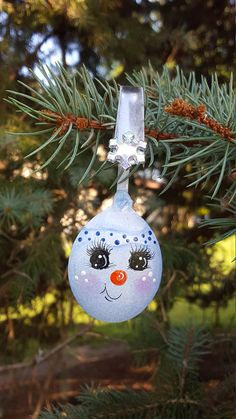 Items similar to Spoon Snowman Icy Blue Snowgirl Christmas Ornament Handpainted on Etsy Spoon Ornaments, Painted Ornaments, Xmas Ornaments, Handpainted Christmas Ornaments, Christmas Makes, Christmas Wood, Christmas Wreaths, Christmas Ideas, Christmas Snowman