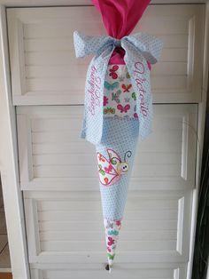 Schultüte Zuckertüte Schmetterling blau pink von der kleine Schatz auf DaWanda.com