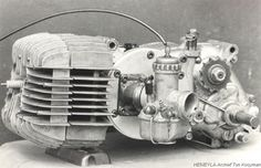 Vintage Bikes, Vintage Motorcycles, Cars And Motorcycles, Motorcycle Store, Motorcycle Engine, Brat Cafe, Moped Scooter, Race Engines, Bike Shed