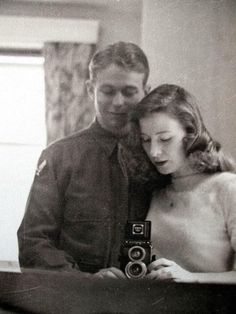 What was **normal everyday life** like for people living or more years ago? Featuring old photos, scanned documents, articles, and. Vintage Pictures, Old Pictures, Old Photos, Family Pictures, 1940s Photos, Vintage Romance, Vintage Love, Vintage Kiss, Vintage Style
