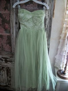 Mint Pistachio..Incredible Vintage NET TULLE Minty Green Prom Dress Gown..Matching Cape on Wanelo