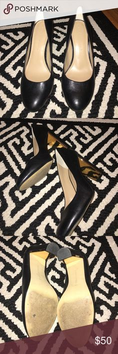 Black Leather Heels - Banana Republic Size 6.5 These black leather heels from Banana Republic are anything but simple. The heel is lined with a gold metallic bar for a hint of shine. The leather is extremely soft, which left behind minor creases with wear. Wore these to a wedding. Classic and chic! ✨✨NOT ACCEPTING TRADES OR OFFERS. ✨✨ Banana Republic Shoes Heels