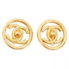 Earrings CHANEL ($375) ❤ liked on Polyvore featuring jewelry, earrings, vintage jewellery, lock jewelry, chanel, chanel jewellery and vintage clip earrings