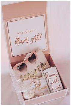 Bridesmaid Gift Boxes, Bridesmaid Proposal Gifts, Wedding Bridesmaids, Ideas To Ask Bridesmaids, Groomsmen Proposal, Wedding Gifts For Bridesmaids, Asking Flower Girl, Flower Girl Gifts, Flower Girls