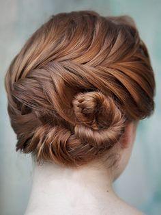 fonott menyasszonyi frizurák, fonott esküvői frizura - fonott esküvői konty
