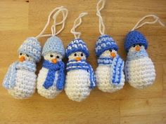 Free crochet pattern: Mini Snowman Christmas Ornament. Cute gifts to make for your friends or family or give to a school fund raising .