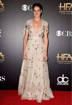 How gorgeous did Shailene Woodley look in her sequin star embellished Valentino gown? // Hollywood Film Awards