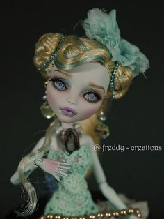 Monster High custom by ©Freddytancreations.