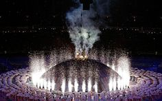 Paralympics 2012: Hawking opens ceremony with a 'Big Bang'