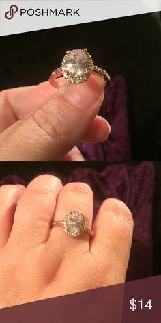 White Topaz and Rose Gold Extremely Sparkly and beautiful white Topaz and Rose Gold Filled. Size 9 Jewelry Rings