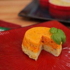 Mus z marchewek i ziemniaków - DoradcaSmaku. Cornbread, Pudding, Ethnic Recipes, Desserts, Food, Millet Bread, Tailgate Desserts, Deserts, Puddings