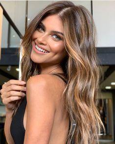Honey Brown Hair, Honey Blonde Hair, Brunette Hair, Hair Color Highlights, Hair Color Balayage, Color Streaks, Gold Highlights, Blonde Balayage, Carmel Hair