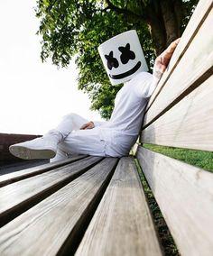 Marshmallo the best Dj Ever Cute Black Wallpaper, Hipster Wallpaper, Alan Walker, Dj Music, Music Love, Logo Musik, Dj Panda, Nothing But The Beat, Marshmello Dj