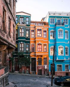 The 12 Cities With The Most Colorful Houses In The World - Istanbul, Turkey architecture Istanbul Travel, Cities, Adventure Is Out There, Old Town, House Colors, Beautiful Places, Places To Visit, Colorful Houses, Colourful Buildings