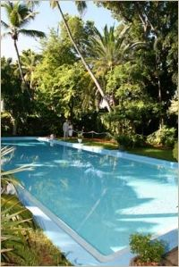 Take a dip in the pool at the Hemmingway House, Key West, #ridecolorfully #katespadeny and #vespa