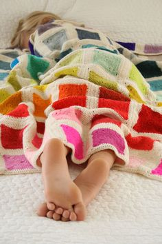 Gorgeous crochet color blocked blanket tutorial | Simple and modern
