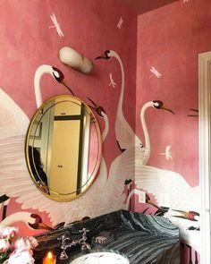Heron Gucci Wallpaper 2019 Design Trend incredible wallpaper in a tiny bathroom The post Heron Gucci Wallpaper 2019 Design Trend appeared first on Dome Decoration. Home Interior, Bathroom Interior, Interior And Exterior, Interior Decorating, Decorating Tips, Bathroom Grey, Pink Bathrooms, Eclectic Bathroom, Luxury Interior