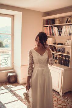 Axelle, notre robe de mariée demi-mesure aux manches 3/4 ⭐️ 👗 @kaacouture 📸 @mariageadeux 💄💇🏼♀️ @_r_arts 👰🏼@jessicoccinelle @sophieardouin 💐 @fleuravi.wedding 👠 @chaussure_danse_et_mariage 📍@domainedevavril #robedemariee #robeblanche #robedemarieedemimesure #larobequejeveux #marobedemariee #myweddingdress #weddingdress #couturierefrancaise #robedemarieefaitemain #handmadeweddingdress #frenchsavoirfaire #savoirfairefrancais #robedemarieeavignon #madeinavignon Arts, Inspiration, White Dress, Dance, Sleeves, Shoe, Biblical Inspiration, Inspirational, Inhalation