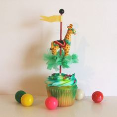 Single Circus Giraffe Cupcake Topper by PartyPopPop.etsy.com