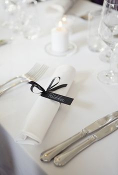 Table setting with name tag