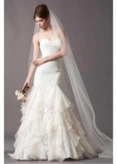Elegant Lace & Organza Trumpet Sweetheart Neckline Wedding Dress