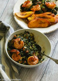 stewed spinach with shrimp African Spinach Recipe, Spinach Recipes, African Recipes, Ethnic Recipes, Shrimp Recipes, African Stew, West African Food, All You Need Is, Cooking Recipes