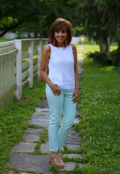 22 DAYS OF SUMMER FASHION: MINT JEANS