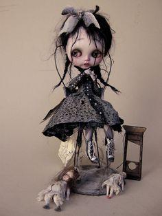 Morbid, macabre art #Goth Blythe doll                                                                                                                                                                                 Plus