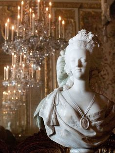 The Bed Chamber of Marie Antoinette. 'Bust of Marie Antoinette' by Felix Lecomte, Marble. Copy (the original in The Louvre). The necklace portraits the effigy of Louis XVI. Chateau Versailles, Palace Of Versailles, Marie Antoinette, Madame Pompadour, Charles Perrault, French Royalty, Francis I, Maria Theresa, French History
