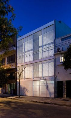edificio Arribeños 3182. CABA, Argentina (2007)