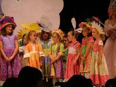The Wizard of Oz Costumes The Wizard Of Oz Costumes, Wizard Of Oz Play, Wizard Of Oz Musical, Wizard Costume, Theatre Costumes, Diy Costumes, Halloween Costumes, Costume Ideas, Halloween Ideas