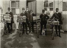 Vintage picture of mailmen Antique Photos, Vintage Pictures, Vintage Photographs, Old Pictures, Old Photos, Photo Letters, You've Got Mail, Going Postal, Post Box