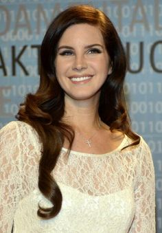 Lana Del Rey is the best most perfect person alive and no one can convince me otherwise.