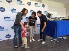 The new @Lowes call center in Indy had a very special guest today...@JimmieJohnson!