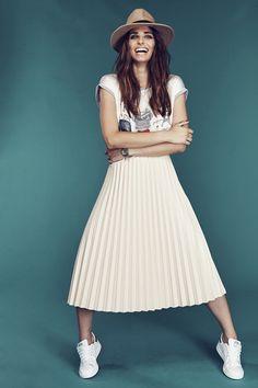 La jupe plissée imitation cuir 3Suisses Collection. Toujours aussi chic, la jupe plissée  fait son retour !