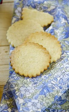 Vanilla Shortbread Cookies made with rice and millet flour