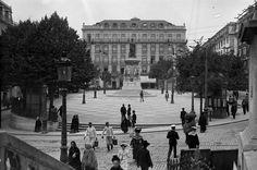 Place Luís de Camões. Années 1900. Paulo Guedes. AML PT/AMLSB/PAG/000460